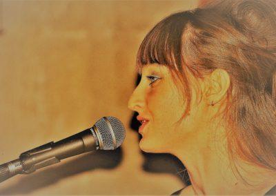 Chutney chante Tous les Garçons et les filles de mon âge